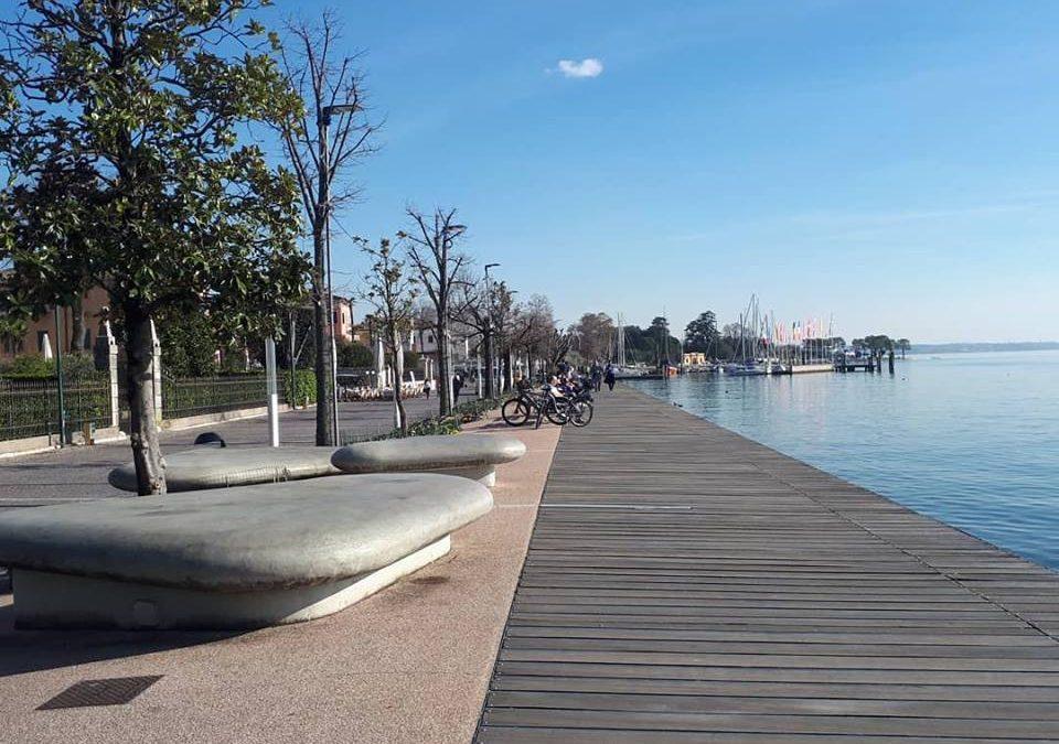 Курортный городок Бардолино на озере Гарда