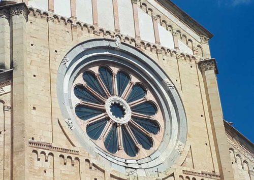 Базилика Св.Зинона (окно в виде розы) - Верона