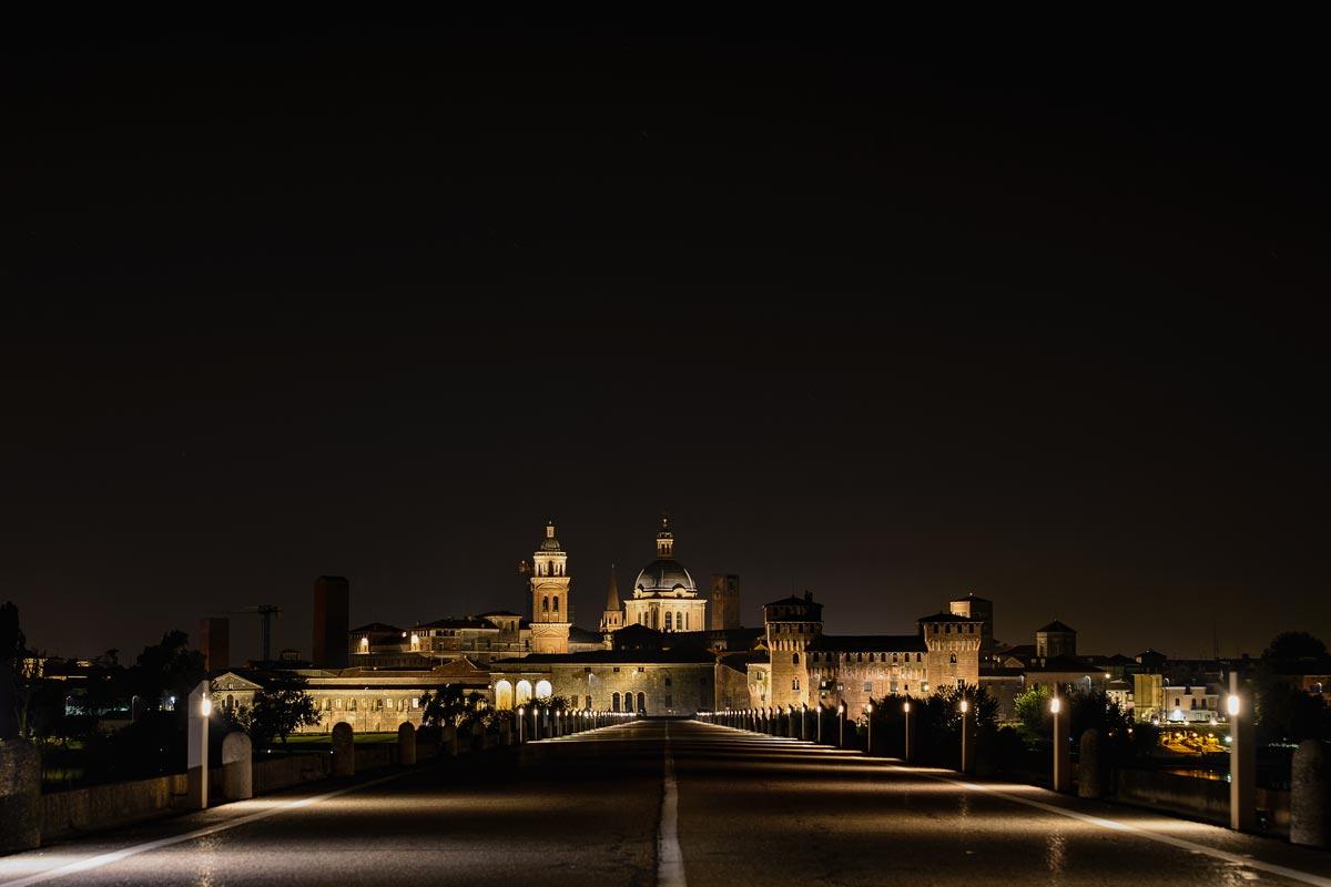 Skyline notturno - Mantova